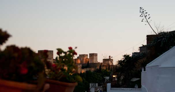 The panoramic Terrace with views to the Alhambra where you can have dinner or tapas