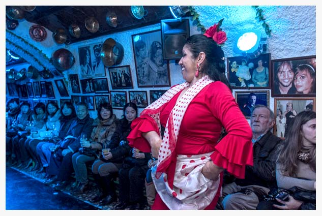 second act at Flamenco show in Granada we will enjoy the more modern and Avant-guard Flamenco