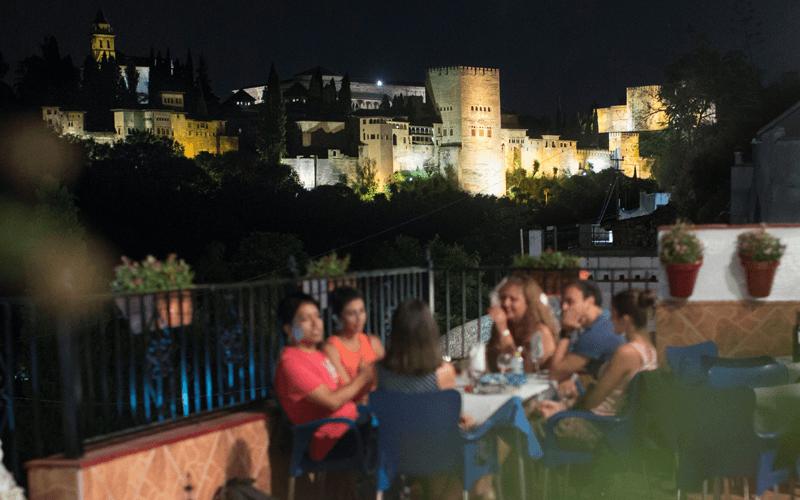 Terraza-con-vistas-Alhambra